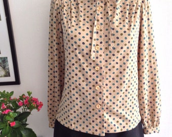 Vintage 80s Beige long sleeve blouse with lace at the neck and print Flore