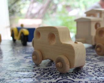 Wooden Toy Car (Rounded)