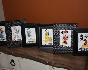Mickey Mouse and Friends Table Cards (Mickey, Minnie, Donald, Daisy, Pluto,Goofy, Chip & Dale, Pete, Toodles and The Clubhouse)