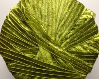 Grignasco Shiny nylon ribbon super bulky weight yarn (974 green)