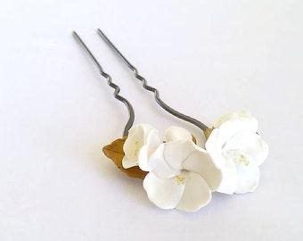 Flower hair clips, barrettes Wedding, pins Wedding Flowers, White Flower Cherry hairpins, Wedding Hair Accessories, Wedding Sakura