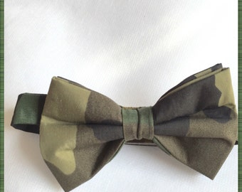 Camouflage Bow Tie. (Pre-Tied Only)
