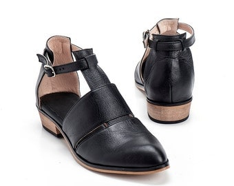 Black Leather Shoes / Women Flats / Every Day Shoes / Straps Leather Sandals / Comfortable Summer Shoes / Wooden Heels Shoes - Ford