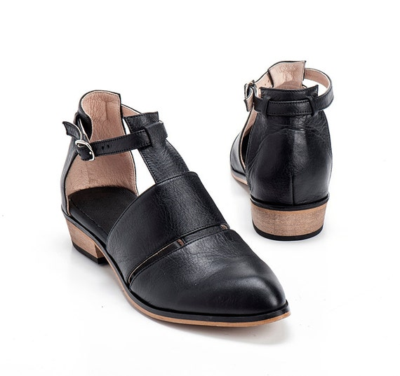 Black Leather Shoes / Women Flats / Every Day Shoes / Straps
