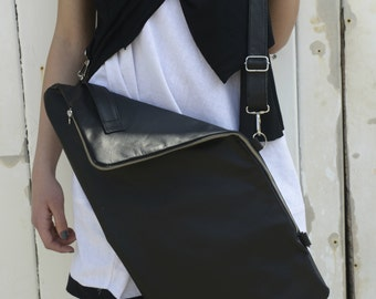 Leather Bag / Black Bag with Zipper / Black Handbag / Casual Bag / Adjustable Strap Bag / Cross Body Bag / Black bag