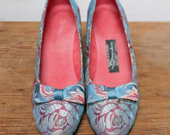 FALLER with bow shoes