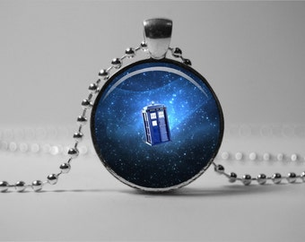Doctor Who tardis Pendant, Doctor Who necklace, Doctor Who  jewelry