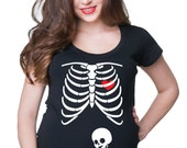 Skeleton Baby Maternity T-Shirt Funny X Ray Baby With Tablet Pregnancy T-Shirt
