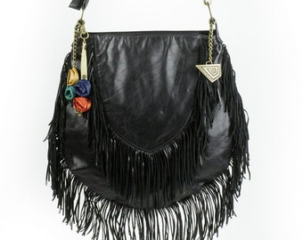 Handmade cross body bag in black leather, room and style with decorative fringes. FREE shipping!!