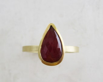 Pear cut ruby engagement ring | Alternative engagement ring | ruby stacking ring | 18k gold and ruby ring