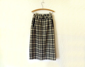 Vintage Plaid A line Skirt / Off white and  black / Bofat / Tartan / Wool middy Fully lined / Women's clothing tartan / mid length / Sz. Med