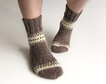 EU Size 40-42 - Hand Knitted Patterned Men's Socks - 100% Natural Undyed Organic Wool - Cozy Valentine for Him