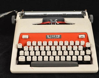 Vintage 1960 Royal Tab-O-Matic in Two-Tone White & Red Working Beauty in Case