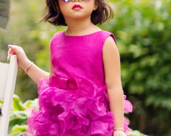 Kawaii inspired cat eyed bow sunglasses
