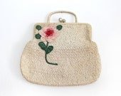1950s Vintage Large Off White Weaved Straw Kiss Lock Snap Handbag / Embroidered Flower Design / Hand Made in Italy