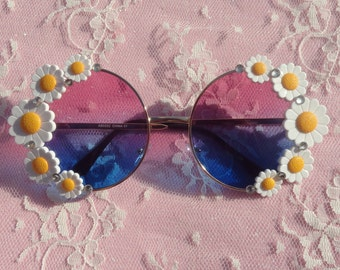 Women's Oversized Hippie round flower DAISY sunglasses Hot pink and blue floral frame