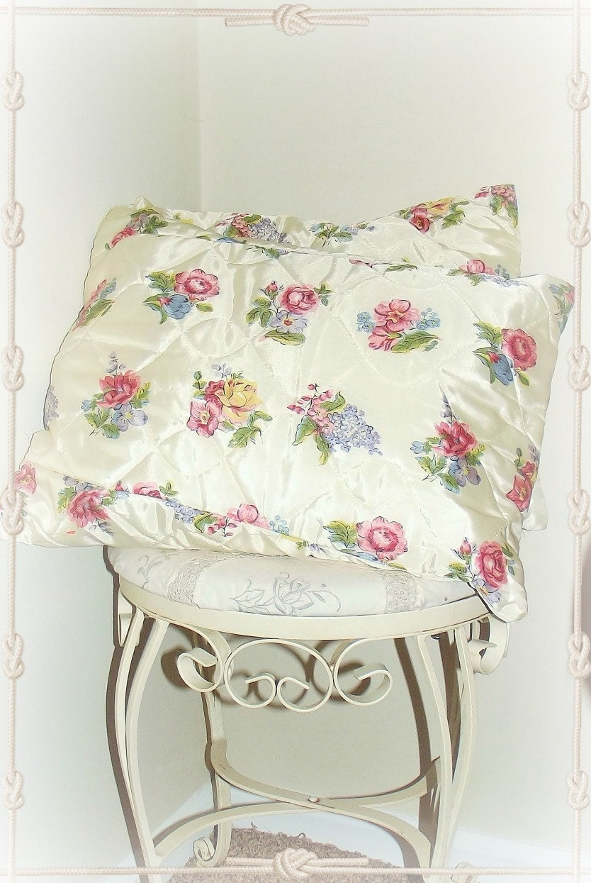 Shabby Chic Pillows//Set of Two//Roses//Throw by ThumbelinasOne
