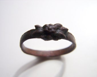 Antique ring, flower ring, metal ring, jewelry old vintage brown