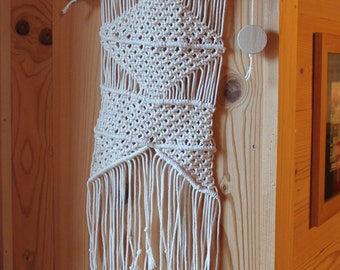 Macrame wall, rope, cotton and wood beads.