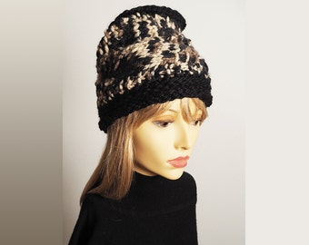 THEA Black and white hat, Ready to ship, Fashion knit hat, Beige and black hat, Knit cloche, Womans chunky knit hat, Womans chic hat