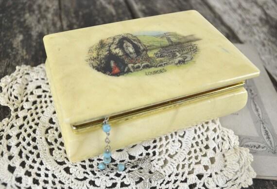 ancienne boite coffret chapelet bijoux souvenir notre dame. Black Bedroom Furniture Sets. Home Design Ideas