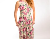 Jumpsuit size small with floral print
