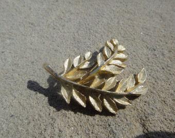Vintage Flower Brooch pendant pin
