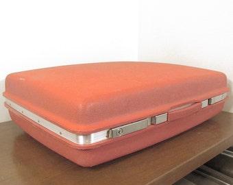 Samsonite Saturn Bright Red Suitcase