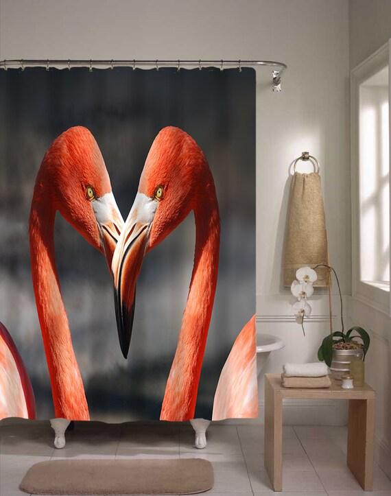articles similaires rideau de douche flamant flamant rose coeur couples salle de bain. Black Bedroom Furniture Sets. Home Design Ideas
