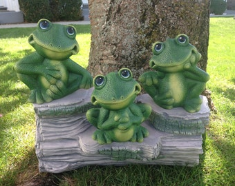 Frog Garden Decor -- Ceramic Garden Decor -- Three Frogs on a Tree Stump Set