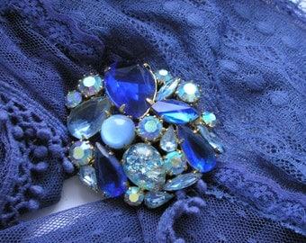 Vintage Crystals Brooch 70s