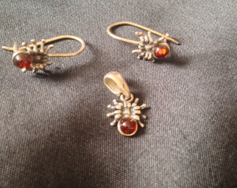 Sterling silver and amber spider necklace and earrings