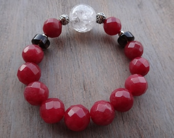 A particularly beautiful agate bracelet, it fits any occasion