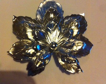 Silver metal maple leaf brooch antique vintage retro jewellery 50s
