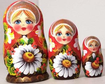 Nesting doll - Camomile - Russian nesting dolls matryoshka babushka dolls - kod990