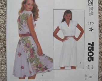 UNCUT Misses and Junior Petite Dress - Size 18 - McCalls Pattern 7505 - Vintage 1981
