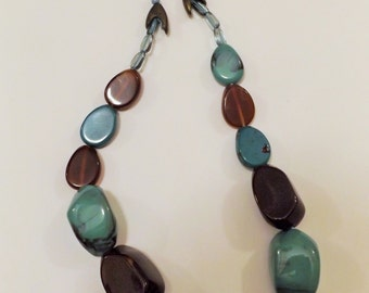 Vintage 70s colorful glass green brown beads necklace