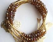 Iridescent Brown Crystal Beaded Charm Bracelet Set- Semanario de piedritas de cristal color cafe iridiscente con dijes color chapa de oro