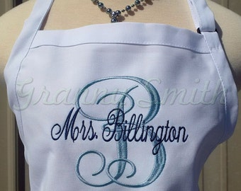 "Large initial + name, 3 pocket monogram apron (24""L x 28""W). Bow or not? Bride gift. New last name. Mrs. Custom embroidered. Personalized"