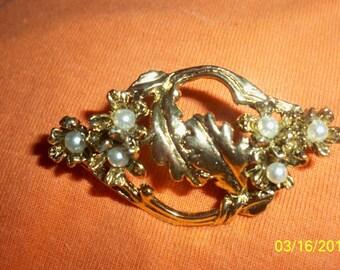VINTAGE SEEDED PEARL antiqued goldtone pin...