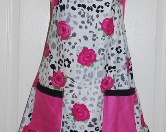 Adorable apron with pink roses and leopard print background