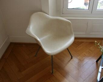 all original eames zenith parchment fiberglass chair with medium H-base