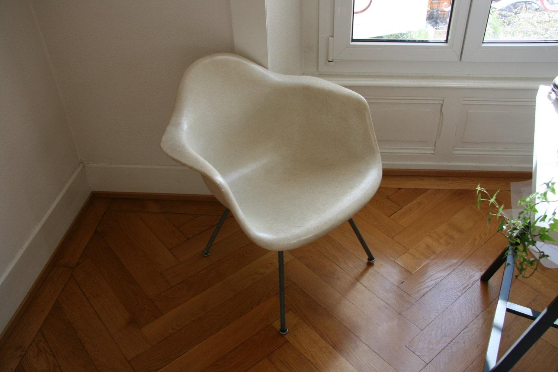 Original eames z nith parchemin en fibre de verre chaise avec for Fauteuil eames fibre de verre