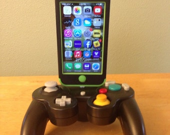Gamecube controller iphone charging dock