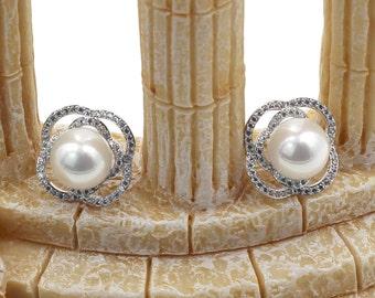 Silver flowers pearl earrings