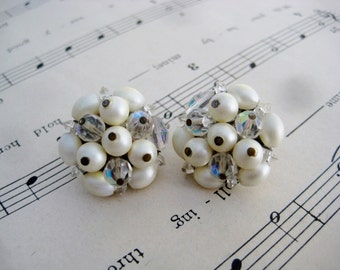 Vintage shabby chic 1950's ab crystal faux pearl cluster clip earrings ALWAYS FREE SHIPPING
