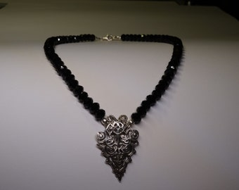 Necklace of silver with black crystal (diameter 7 mm) temporary 10% discount!
