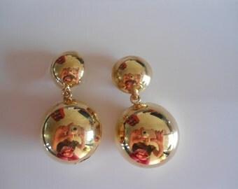 Statement golden vintage earrings, 80s earrings, clip on earrings, funky earrings, Stylish earrings,