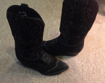 WINTER SALE!! 1980's Vintage SusanBennisWarrenEdwards Size 7 Black Suede Cowboy Boots