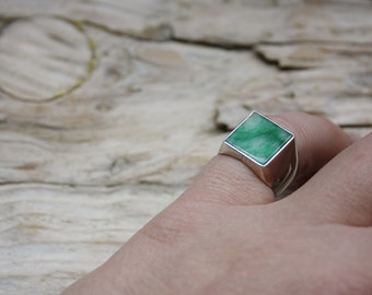 Pinky ring in silver and jade, square, chavallier